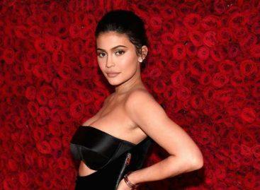 Forbes afirma que Kylie Jenner es la millonaria más joven del mundo