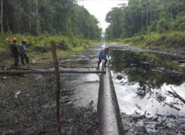 Perú confirma derrame de petróleo en un río de la Amazonía