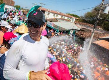 Roux culminó en Cápira y San Carlos su gira de carnavales junto a Luis Casís