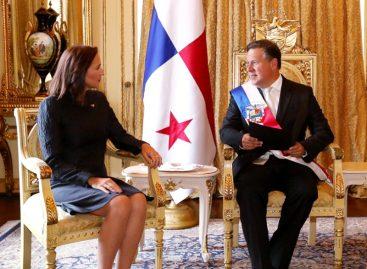 Varela recibe cartas credenciales de embajadora de Guaidó