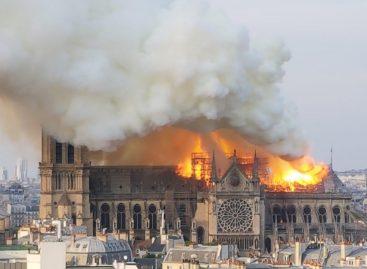 ¡LAMENTABLE!: incendio consume la catedral de Notre Dame en París