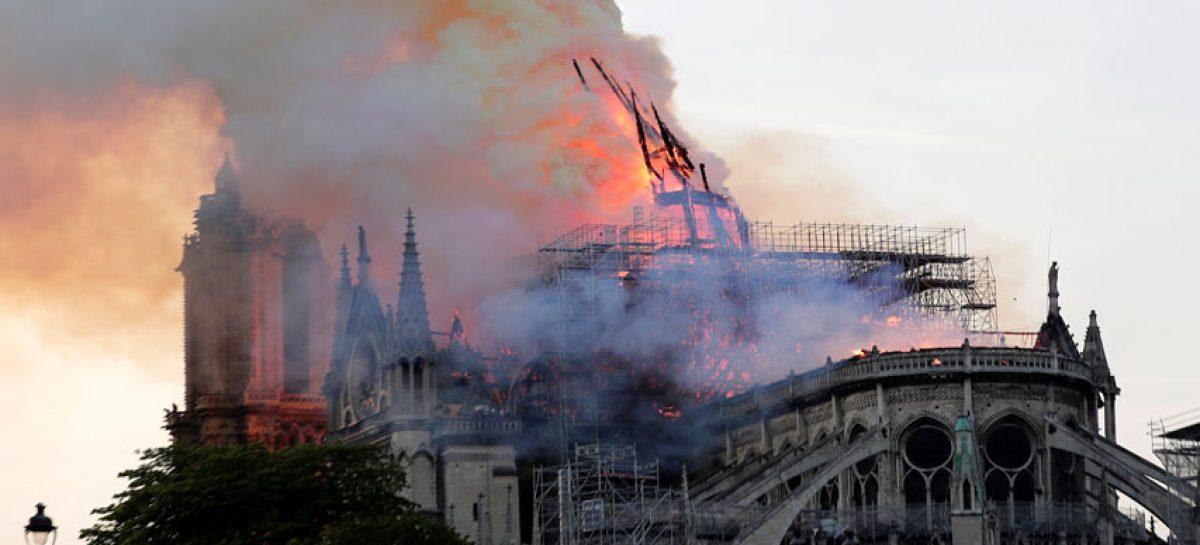 Putin ofreció ayuda de especialistas rusos para restaurar Notre Dame