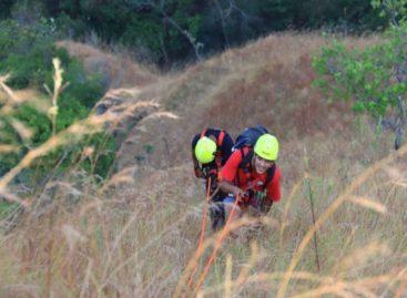 El impresionante rescate de un senderista que quedó colgado en un precipicio en Los Picachos de Olá