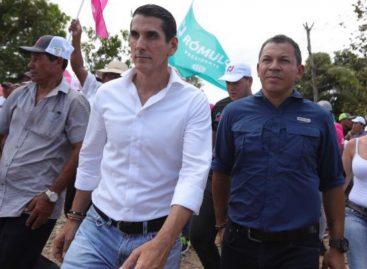 Roux recorre Puerto Caimitio junto a Casís y presentó su propuesta de gobierno humano