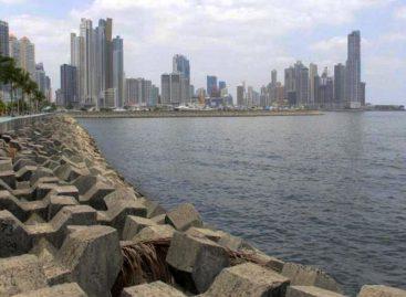Fábrega promete una bahía de Panamá limpia en año y medio