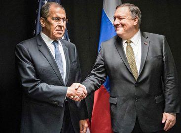 Lavrov y Pompeo acuerdan reunirse a mediados de mayo en Rusia