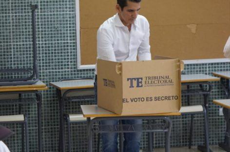 Roux fue el primer candidato en votar: DIjo que llamará a la unidad tras resultados (+Videos)