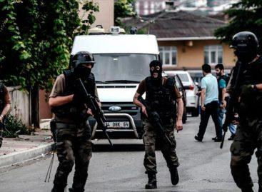 Fiscalía turca ordena la detención de 154 militares