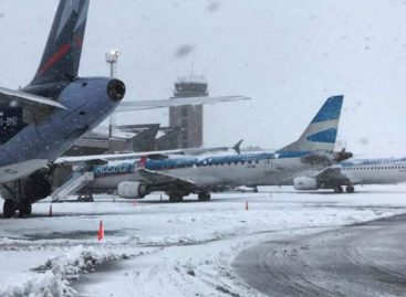 Aeropuerto argentino retoma operaciones tras intensa nevada