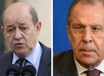 París y Moscú abordan vías para reducir tensiones en torno a Irán