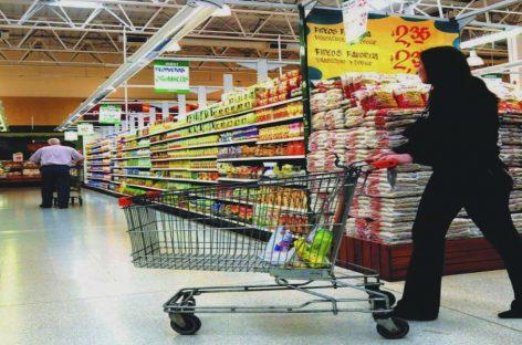 Cerca de 10 productos podrían salir de la lista de control de precios