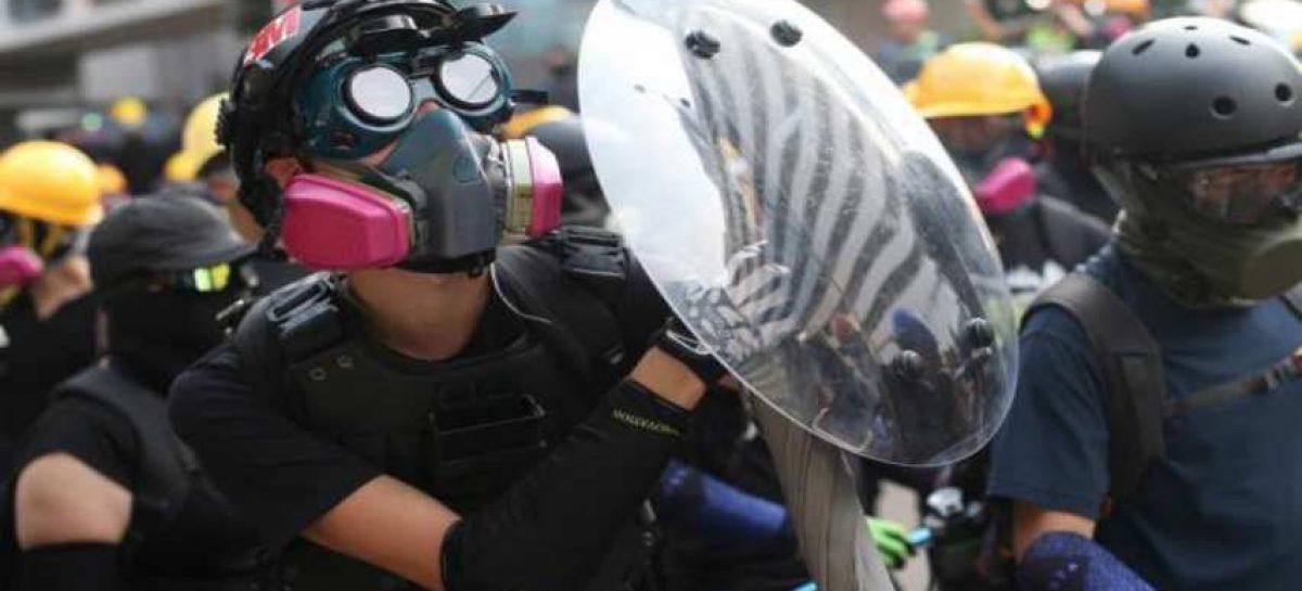 Hong Kong trata de calmar repunte de tensión en manifestaciones