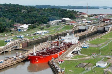 Canal de Panamá comenzó a cobrar por el uso del agua dulce debido a la sequía que afecta al país