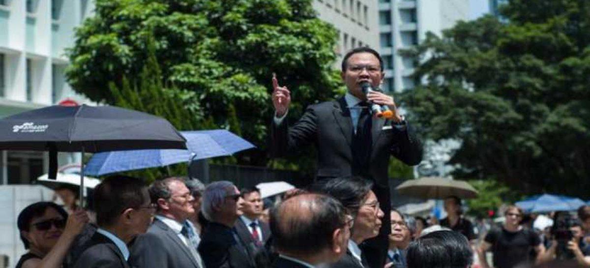 Funcionarios de Hong Kong harán huelga si el Gobierno ignora a manifestantes