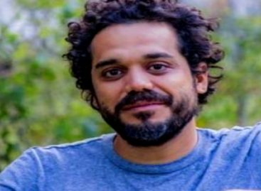 Arrestaron a cineasta por ondear bandera con los colores de la comunidad LGBTI