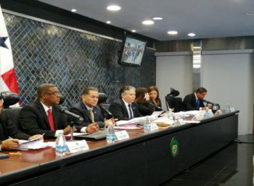 24 aspirantes a contralor pasan la evaluación de la Comisión de Credenciales