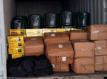 Incautan 99 paquetes de cocaína dentro de un contenedor en el puerto de Balboa