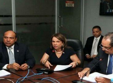 Asamblea Nacional aprueba traslado de partida por 15,7 millones de dólares para pagar a educadores