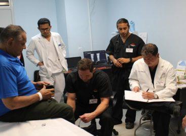 Con personal médico de EE.UU. dieron inicio al programa «Operation Walk» en el Hospital Santo Tomás