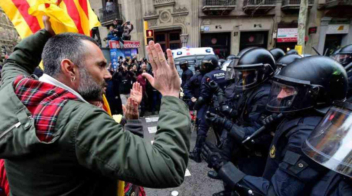 Al menos 30 detenidos por disturbios en Cataluña