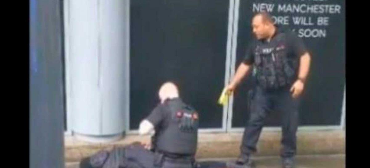 Cuatro heridos en ataque con cuchillo en centro comercial de Manchester
