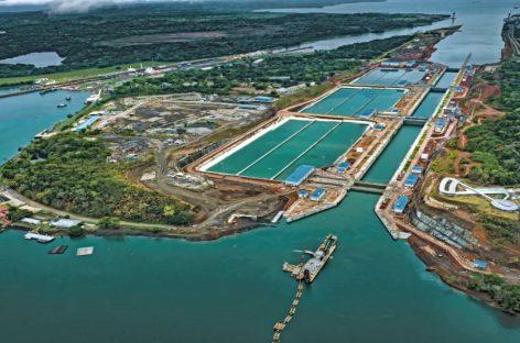 Tránsitos por Canal de Panamá podrían caer en un 20%