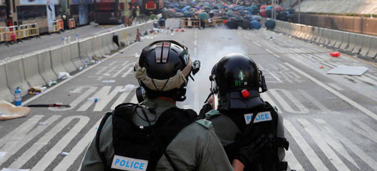 Hong Kong no descarta vetar acceso a internet para frenar protestas