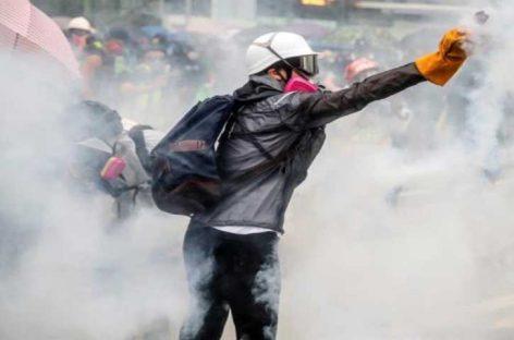 Suspenden discurso de jefa de Gobierno de Hong Kong por protestas