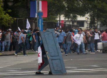 11 extranjeros detenidos durante protestas contra las reformas constitucionales