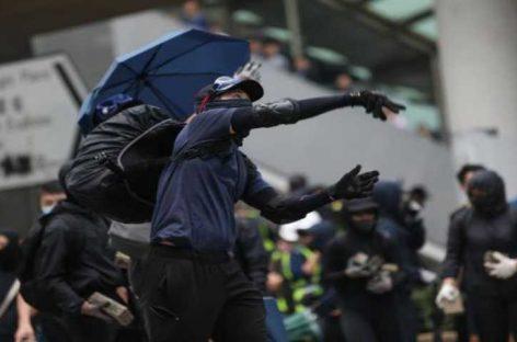 Violencia en Hong Kong deja la primera muerte en protestas