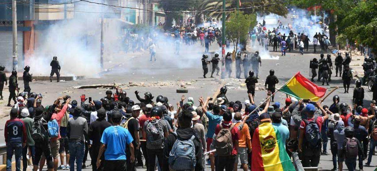 Protestas en Bolivia dejan tres muertos y 220 detenidos