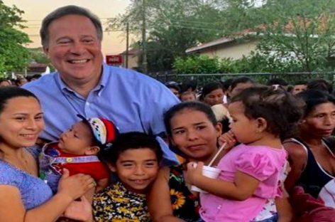 Varela reaparece con una sonrisa en Veraguas tras el escándalo de los VarelaLeaks
