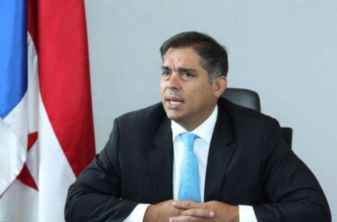 Diputado Valderrama se ausenta del país por «compromisos laborales»