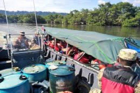 Rescatados 12 costarricenses a la deriva en Bocas del Toro