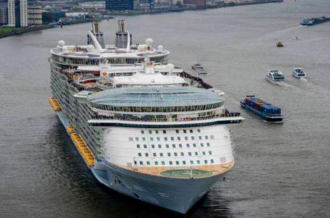 Turista canadiense muere al caer de un barco crucero en muelle de San Juan