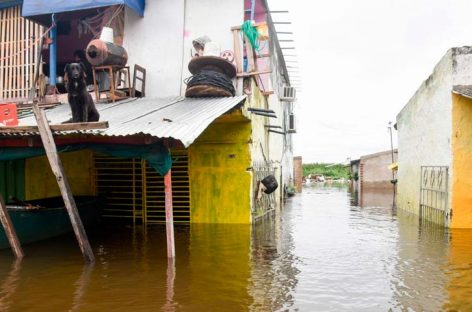 Tormentas dejaron sin luz a 170 mil personas en capital de Paraguay