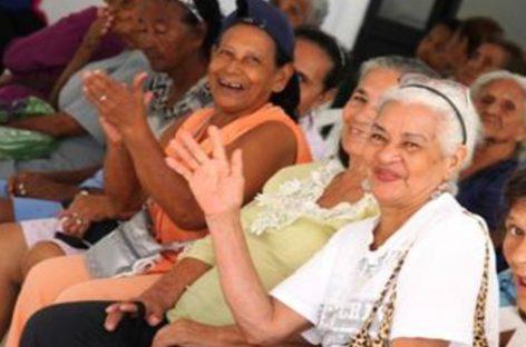 Con una legislación buscan proteger a los adultos mayores de los abusos