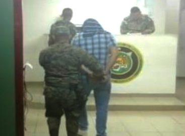 Capturaron a hombre con 92 mil dólares en efectivo: Tenía varios paquetes pegados al cuerpo