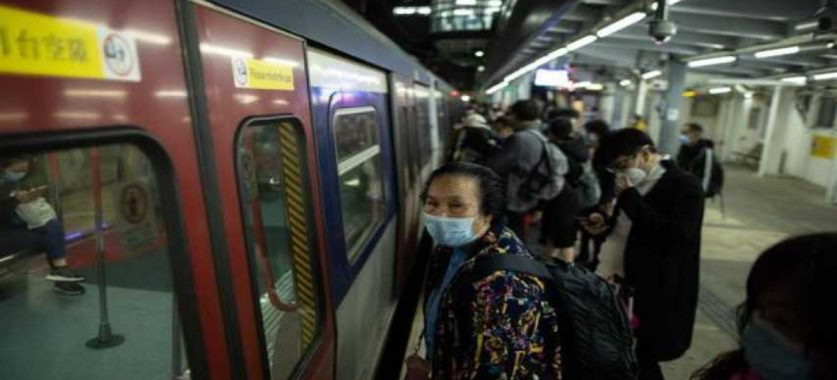 Gobierno chino casi paralizada reconoce falta de material contra virus