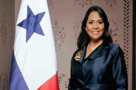 Con tan solo 14 días en el cargo Sheyla Grajales presentó su renuncia como ministra de Gobierno