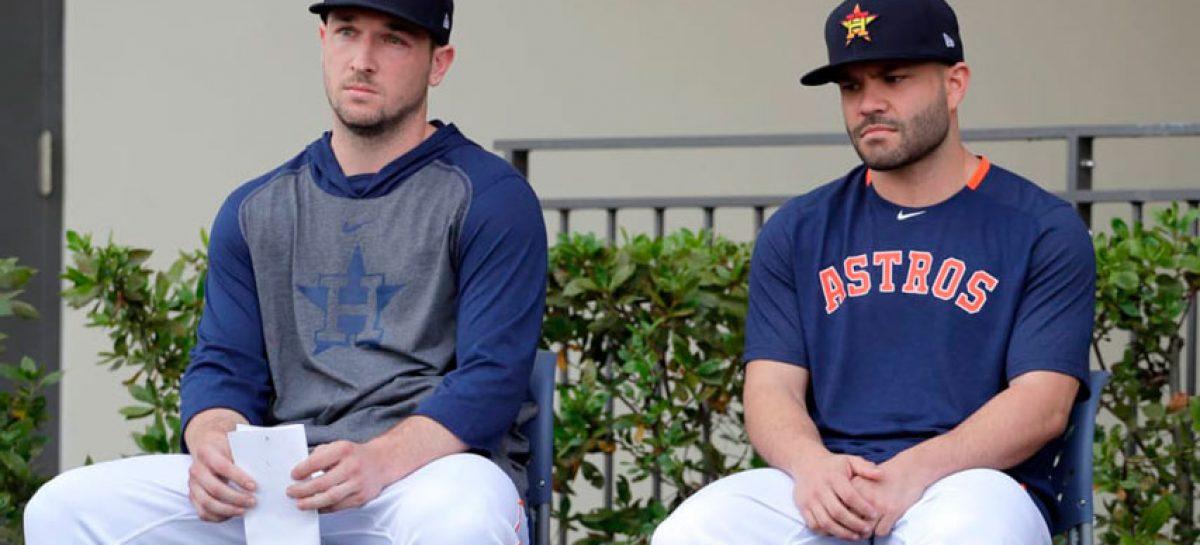 Altuve y Bregman se disculpan por acciones de Astros
