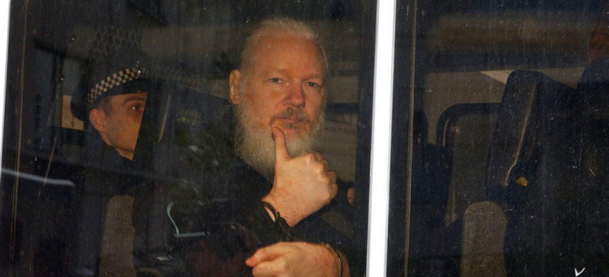 Tribunal niega la libertad condicional a Assange ante los temores por el Covid-19