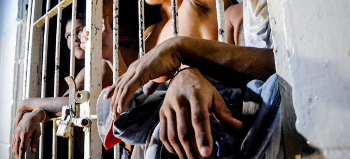Motín en una cárcel de Perú deja dos muertos y 17 heridos