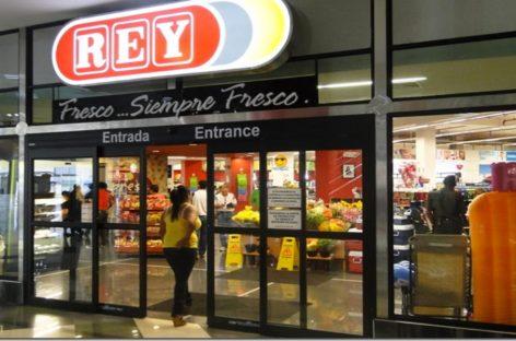 Supermercados recortan horarios por extensión de toque de queda