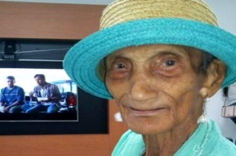 La historia de esta abuela panameña de 99 años que venció al COVID-19