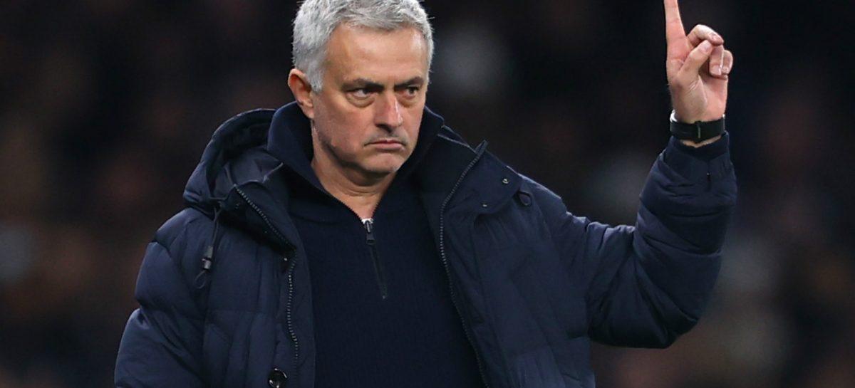 Mourinho niega haber pedido el aplazamiento de la Premier