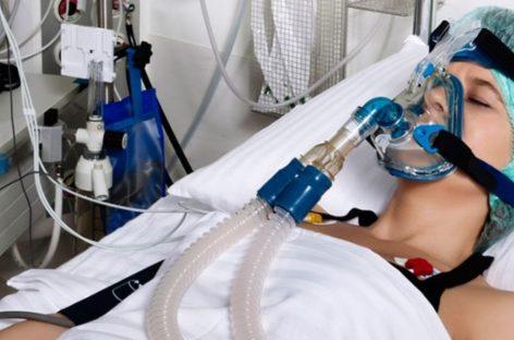 Hasta 35 días con sedación puede pasar un paciente grave con COVID-19 en cuidados intensivos